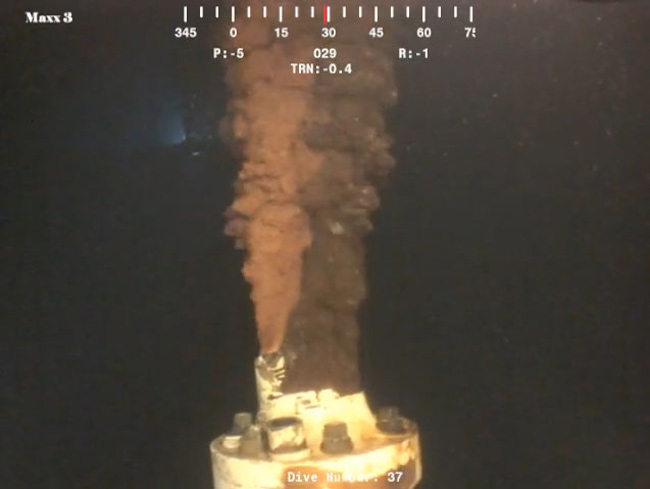 The researchers used high-resolution video clips of flow from the Deepwater Horizon well to measure volume. Credit: U.S. Senate Committee on Environment and Public Works