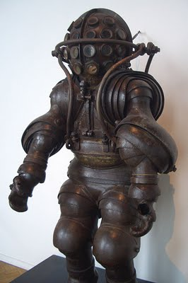 837lb diving suite designed by the Carmagnolle brothers in 1882
